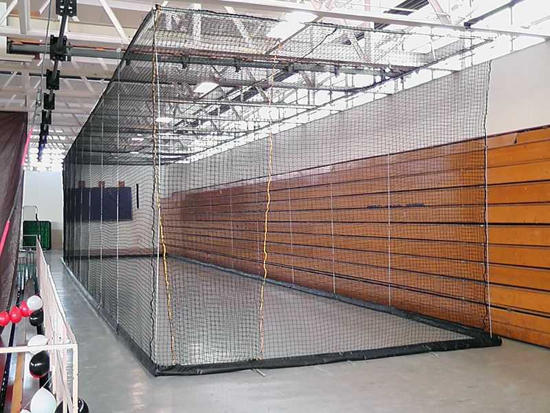 Exceptional Hands Free Retractable Batting Cage